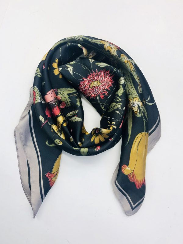 Some Dark Tulips Scarf 80