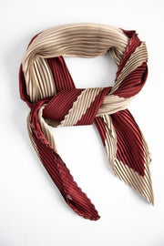 Stilen Duet Pleat Scarf in Wine