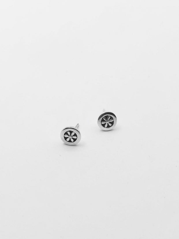 Some Sterling Silver Flower Circle Earrings 026