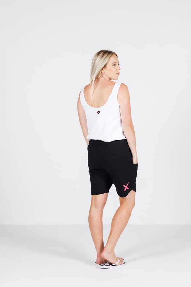 Home Lee Apartment Shorts Black with Pink X 221