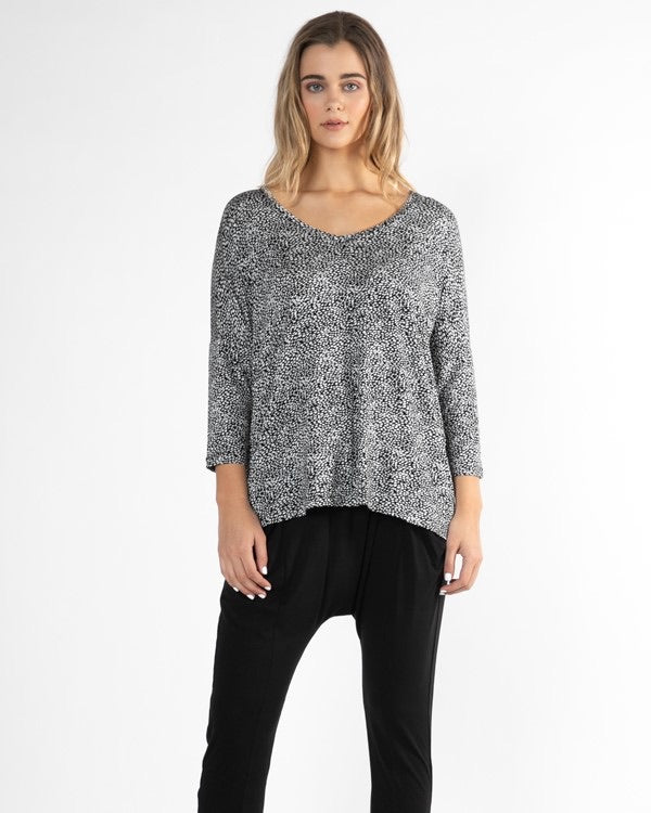 Betty Basics Bilbao Top in Black/White/Terrain
