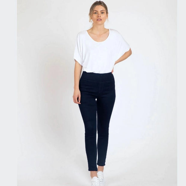 Betty Basics Miller Stretch Jean in Black