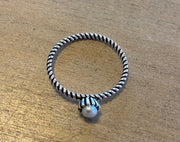 Some Sterling Silver Rope Pearl Ring 025