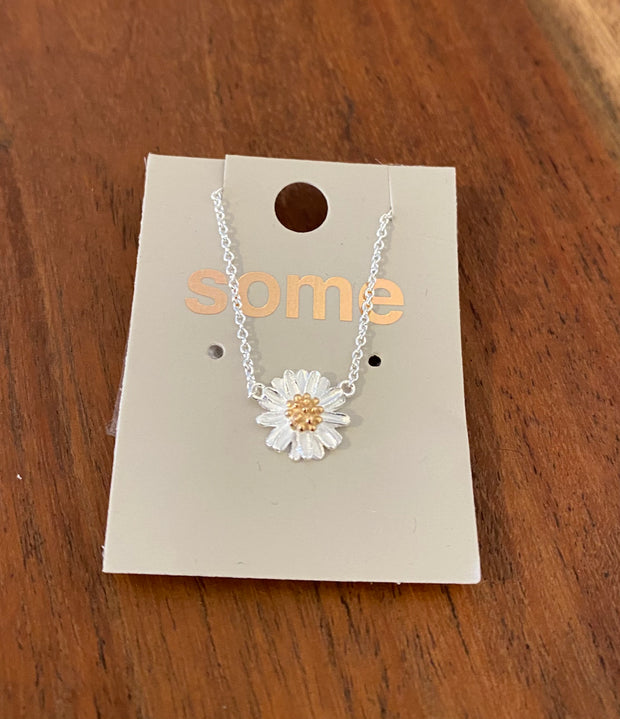 Some Sterling Silver Necklace Chamomile with Gold Centre 559