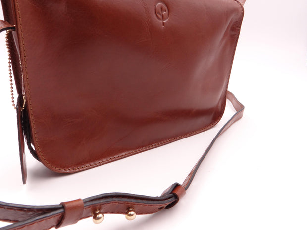 Second Nature Leather Grab and Go Cross Body Bag ST85