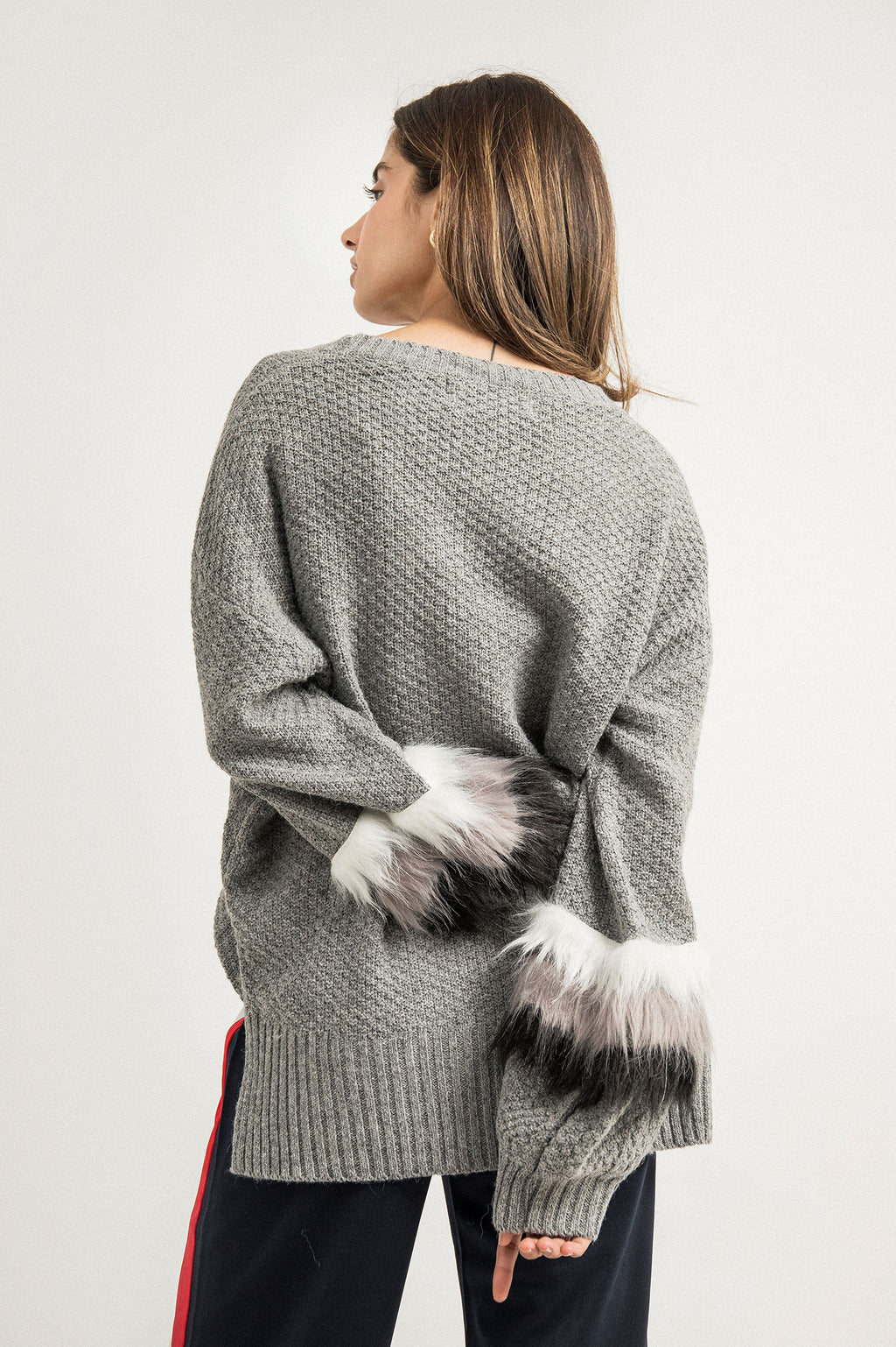 FUR PUFF SWEATER-GREY