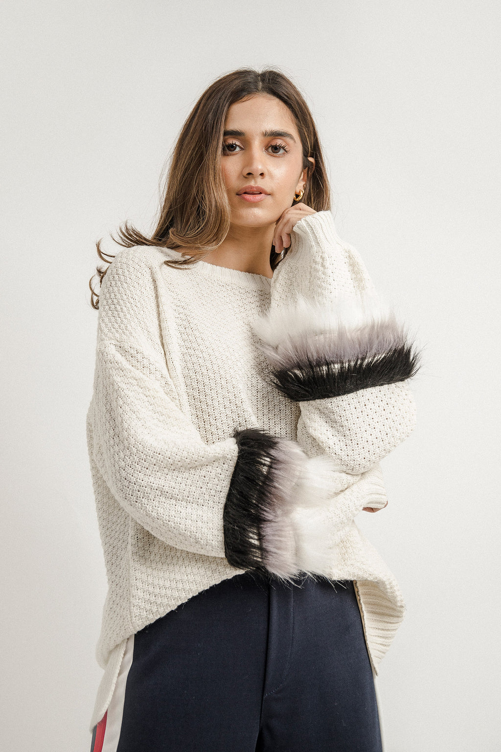 FUR PUFF SWEATER-WHITE