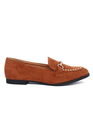 STUDDED COURT SHOES-CAMEL