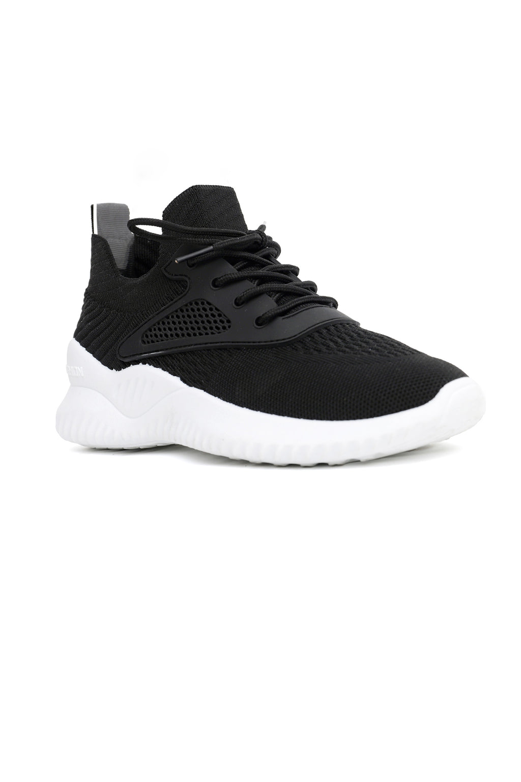BOOST TRAINERS -BLACK