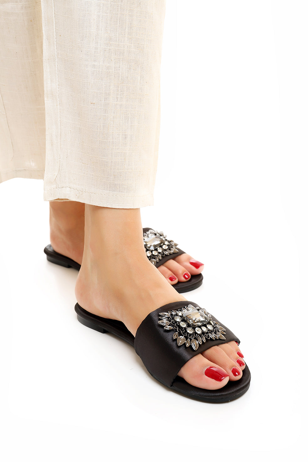 BROCHE SLIDES -BLACK