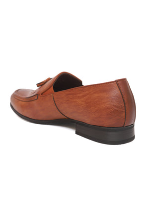 FRINGED SLIP ONS-BROWN
