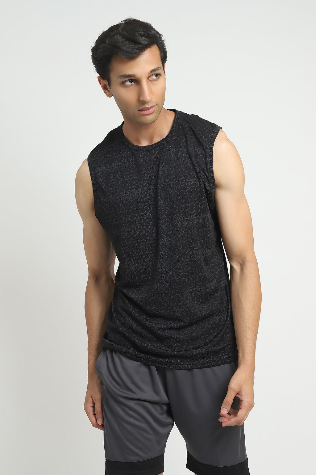 SLEEVELESS TRAINING TEE -BLACK