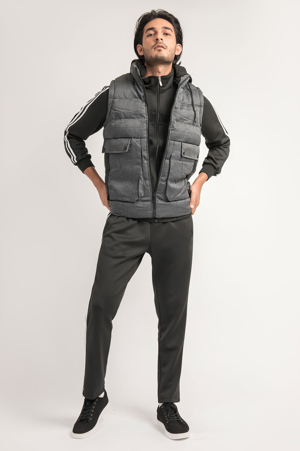 TEXTURED PADDED VEST-GREY