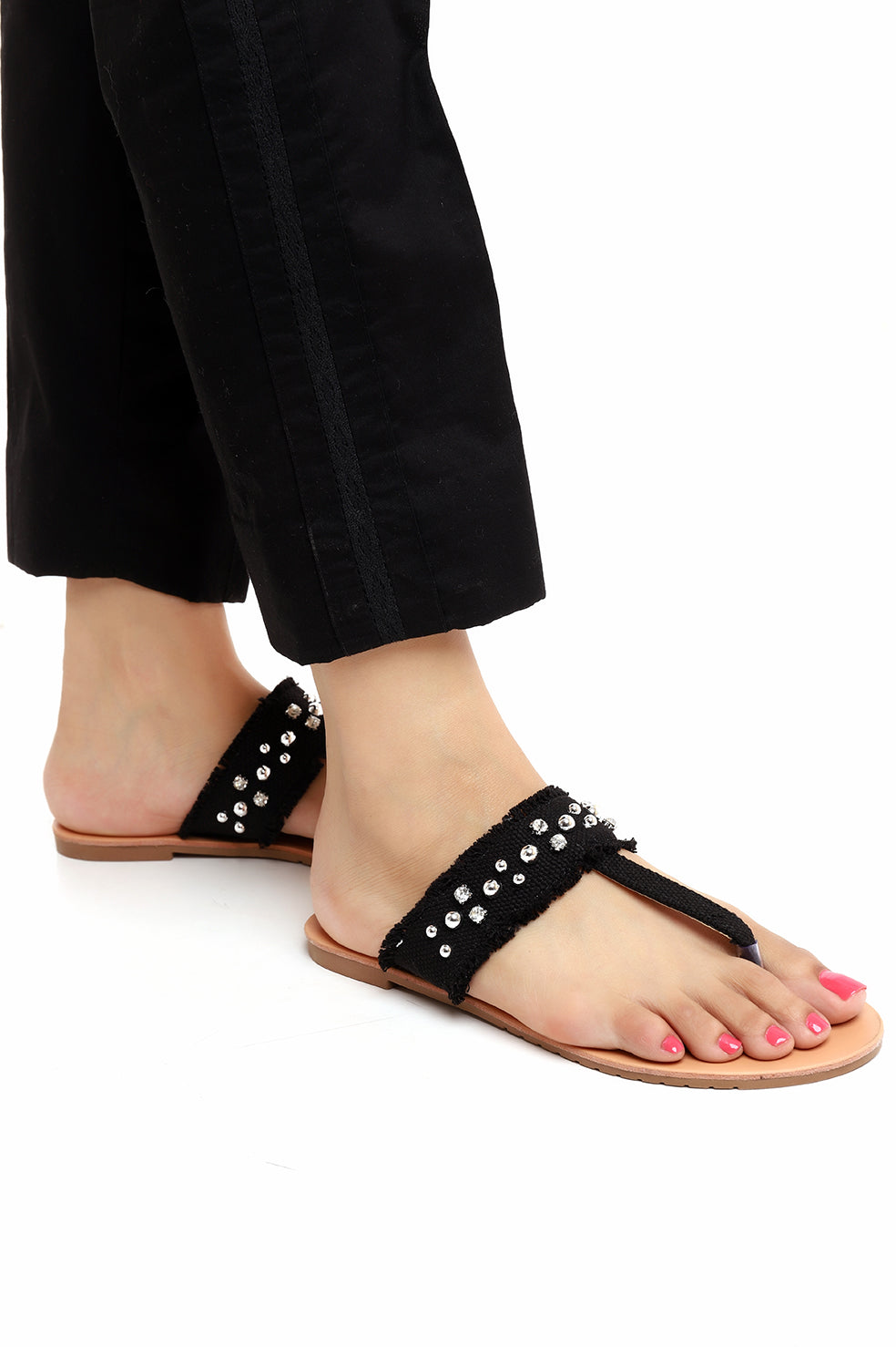 STUDDED THONG SLIPPERS-BLACK