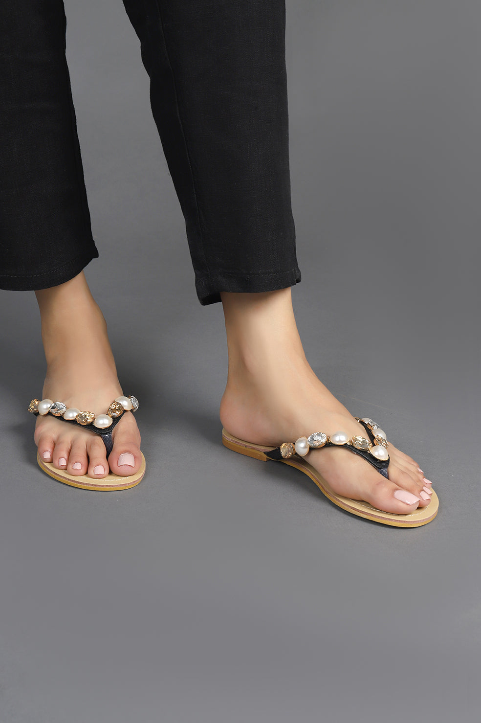 CRYSTAL THONG SLIPPERS-BLACK