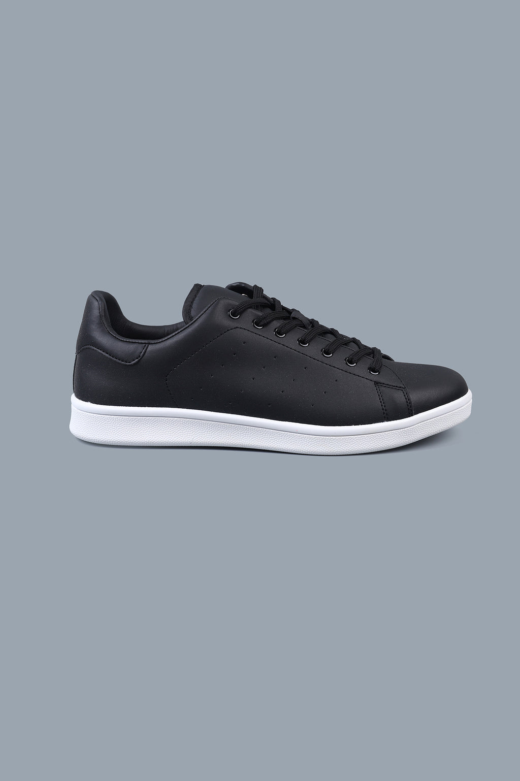 BASIC KICKS-BLACK