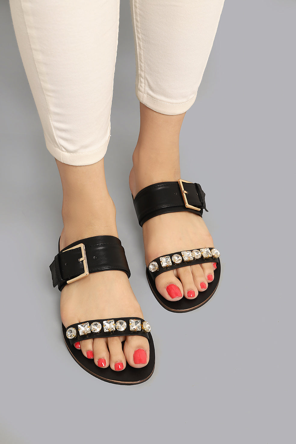 BUCKLED FLATS-BLACK