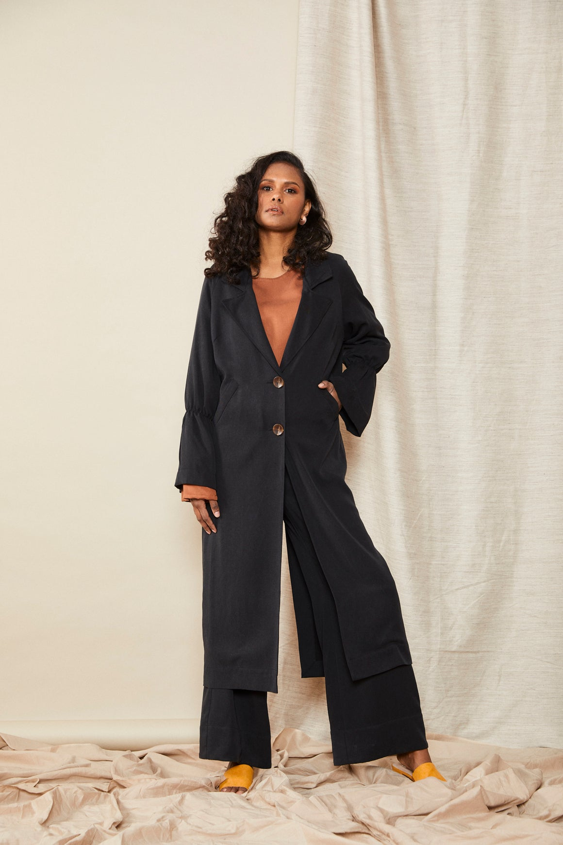 Scrunch Trench | Black