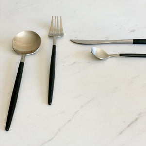 TUSK CUTLERY  SET | BLACK AND SILVER | 16 PIECE
