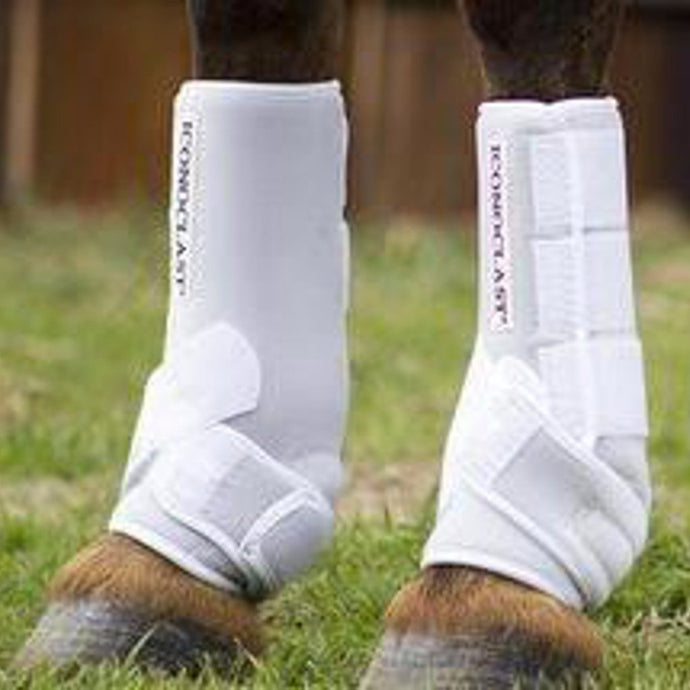 The Iconoclast Equine Rehabilitation Boot is a working recovery boot for horses that have sustained an injury or strain of the suspensory ligaments and tendons.
