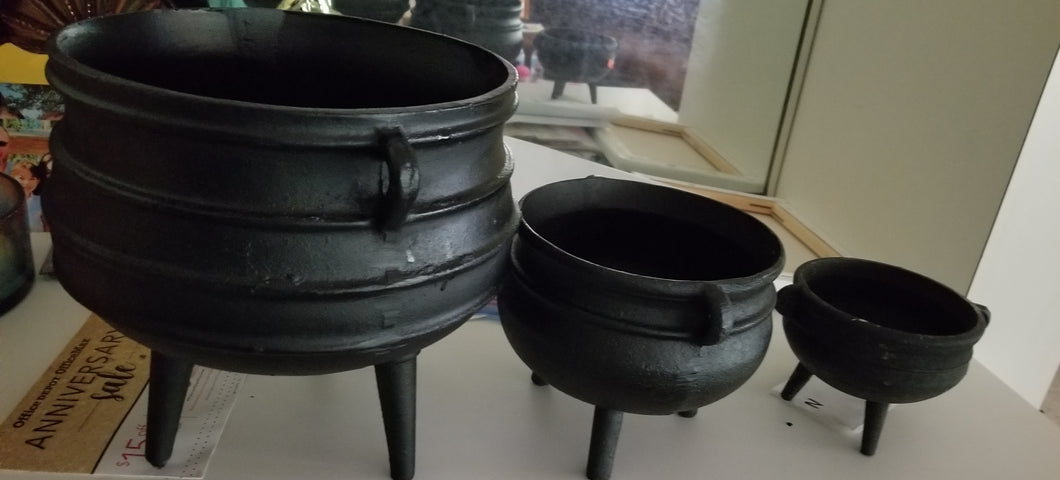 Cast Iron Cauldrons/Pots
