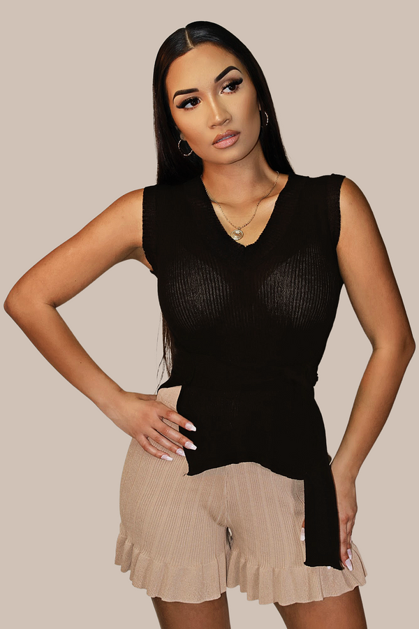 Zendaya Knitted Belted V-Neck Top - BLK