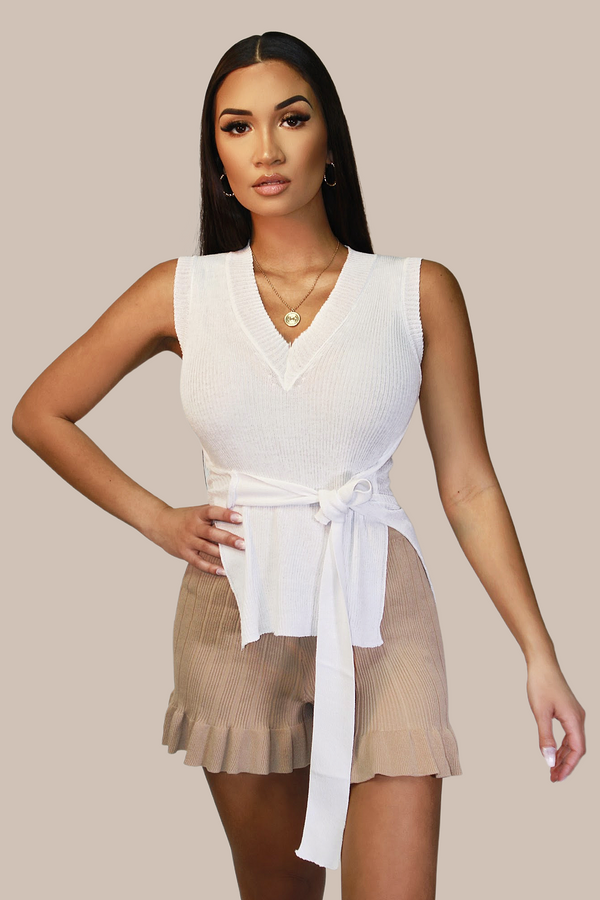 Zendaya Knitted Belted V-Neck Top - WHT