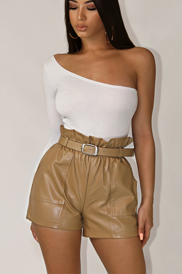 DECEMBER RUFFLE WAIST LEATHER SHORTS