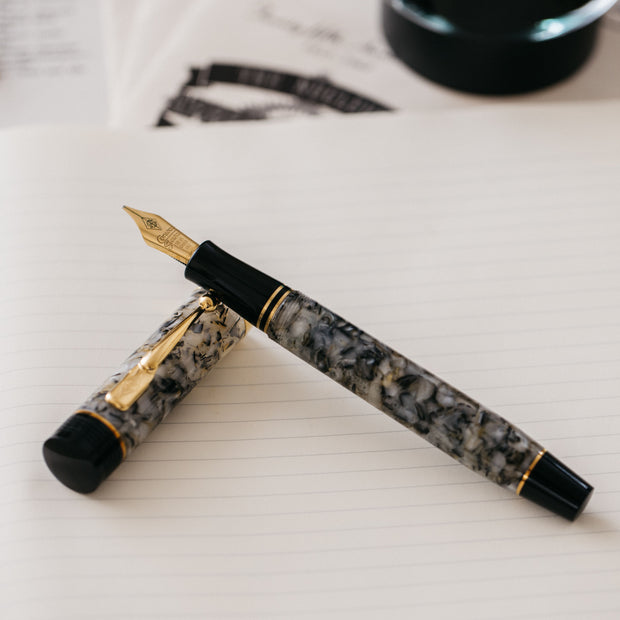 Conway Stewart Churchill Quartz White Fountain Pen
