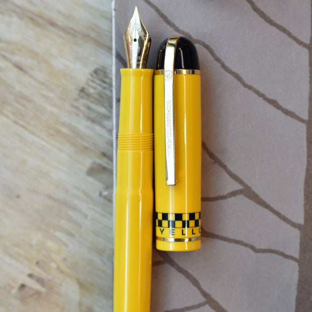 Eversharp-Skyline-Yellow-Cab-Fountain-Pen-Cap