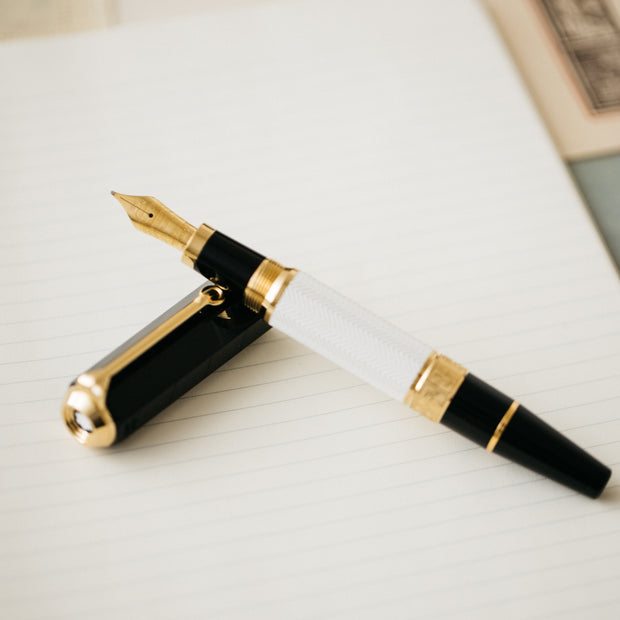 Montblanc Writer's Edition William Shakespeare Fountain Pen