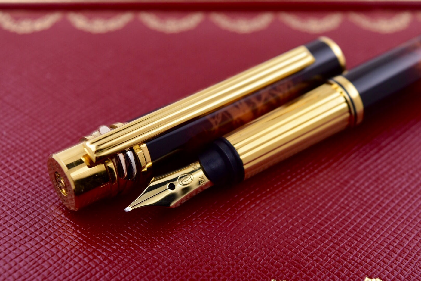 Must de Cartier Trinity Brown Marbled Lacquer & Gold Fountain Pen 18k Gold  M Nib