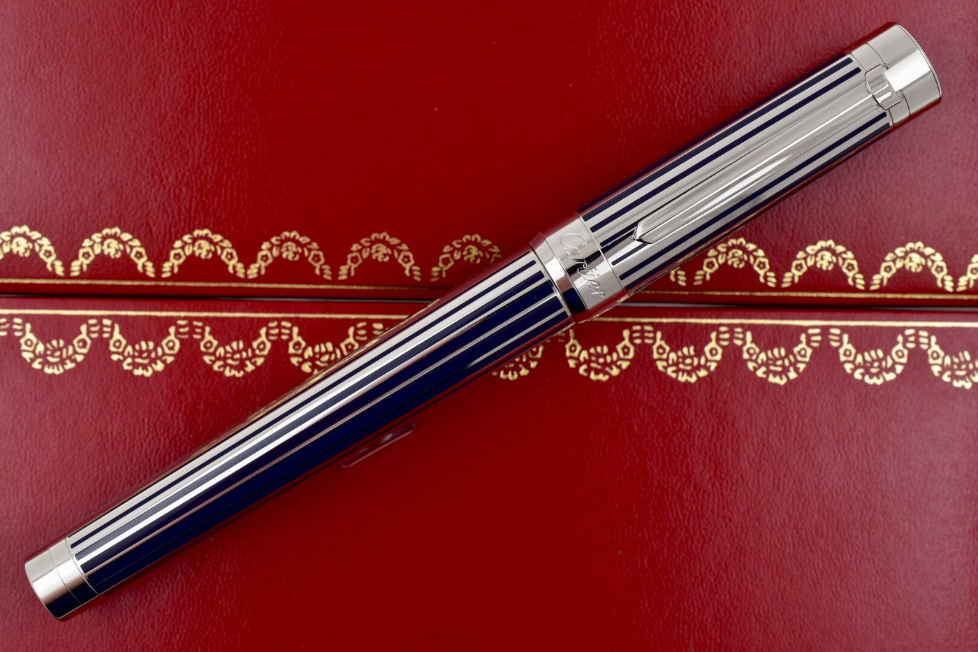 Cartier Must Marble Green Lacquer and Gold Plated Ballpoint Pen ...