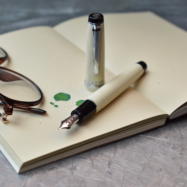 Sailor Professional Gear Ivory Fountain Pen