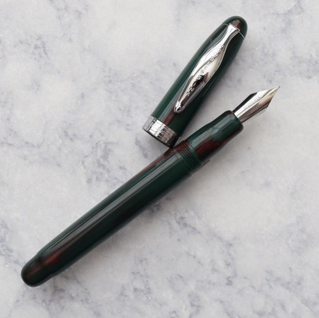 Noodlers Ahab Christmas December 25th Piston Fill Fountain Pen Flex Nib-Noodlers-Truphae