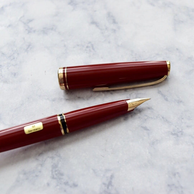 Montblanc Generation Bright Red & Gold Trim Fountain Pen 14k Gold M Nib