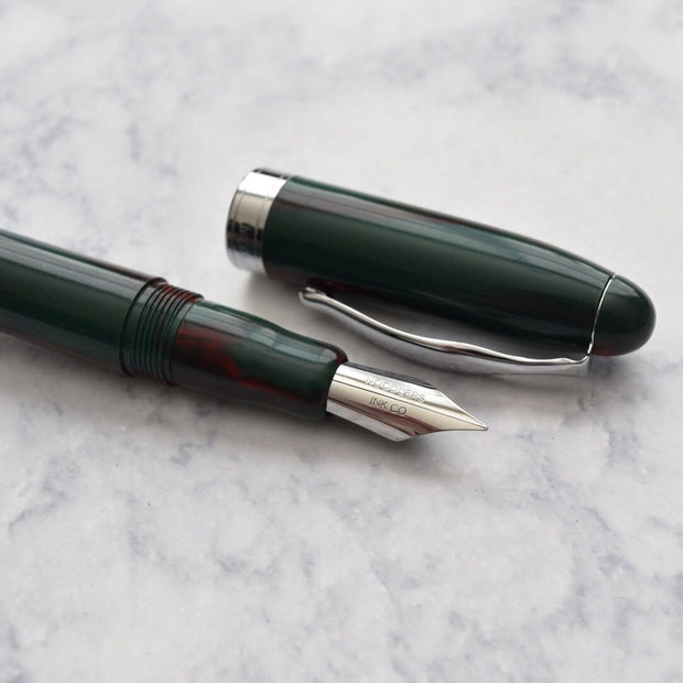 NOODLERS DECEMBER 25TH AHAB PISTON FLEX NIB FOUNTAIN PEN
