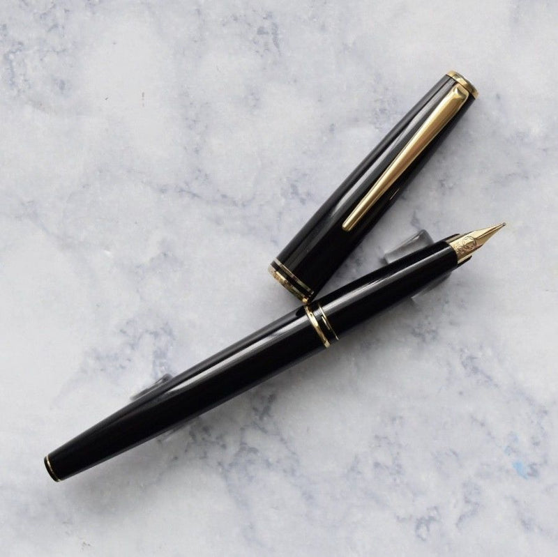 Montblanc Classic Collection Black & Gold Plated Trim Fountain Pen 14k M Nib