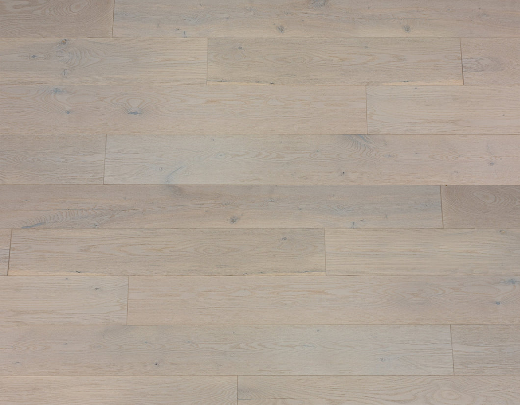 Woodland Treasures Commercial Collection: Glacier White Oak