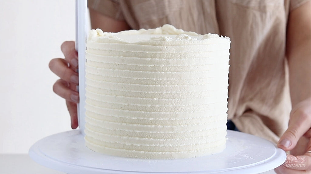 how to make a striped buttercream cake