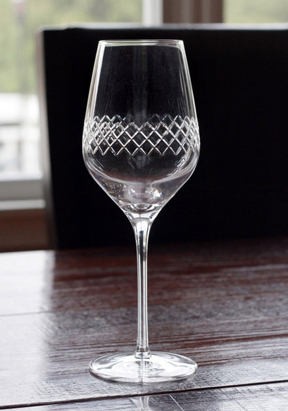 Diamond Pattern White Wine Glasses (Set of 2)