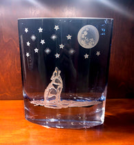 Midnight Blue Howling Wolf Vase*