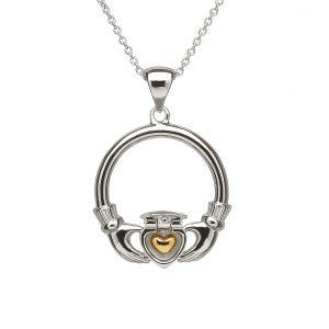 Treasure of my heart: Sweetheart necklace with hidden gold heart.