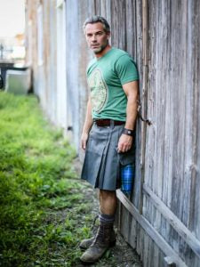 The Pub Kilt from Kiltman Kilts in Moss, featuring the Heritage Pocket