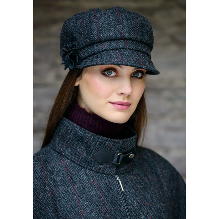 model of color 31 ladies newsboy cap by mucros weavers