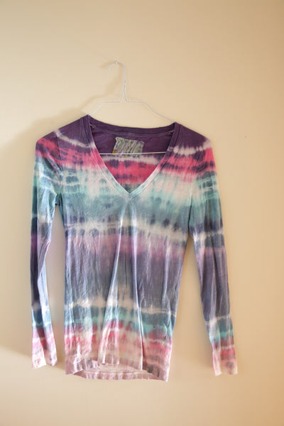 Tie Dye  LONG SLEEVE V NECK Tshirt #193 small