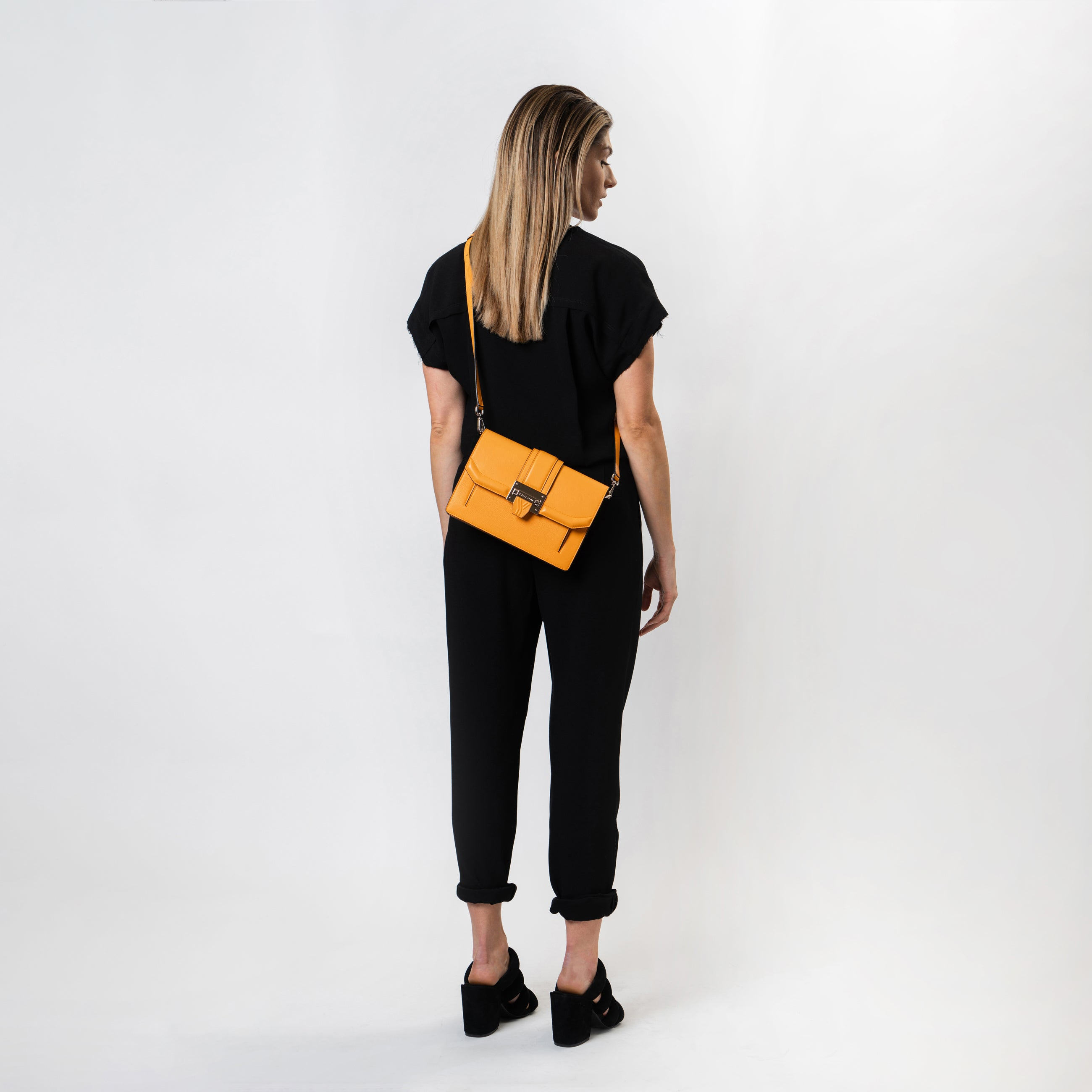 Eun-Bi clutch in Marigold