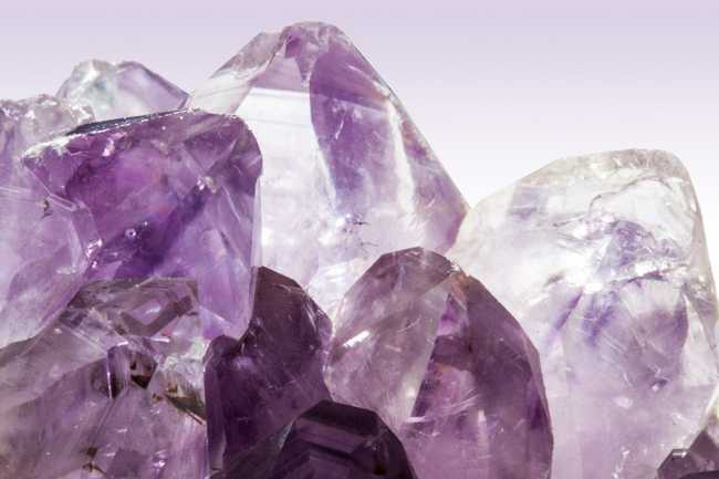 Crystal Healing: What Are the Healing Properties of Amethyst?