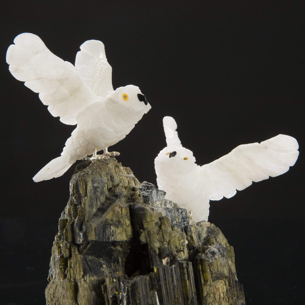 Kalifano Love Birds Carvings Quartz Owl Pair Love Birds Carving on Green Tourmaline Base LB.C203.001