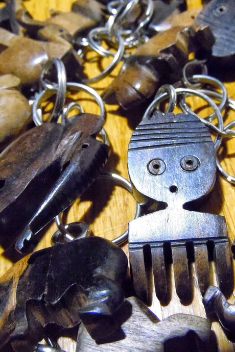African Wooden Keychain - Comb - Accessories